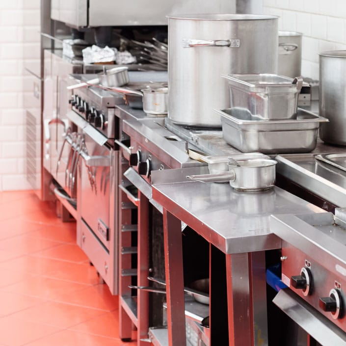 Commercial facility management industries we serve for Cuisine commerciale equipement